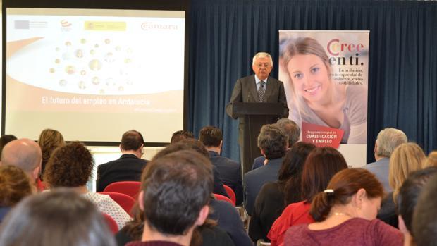 Francisco Herrero, presidente de la Cámara dle Comercio de Sevilla, en las jornadas sobre el futuro del empleo en Andalucía