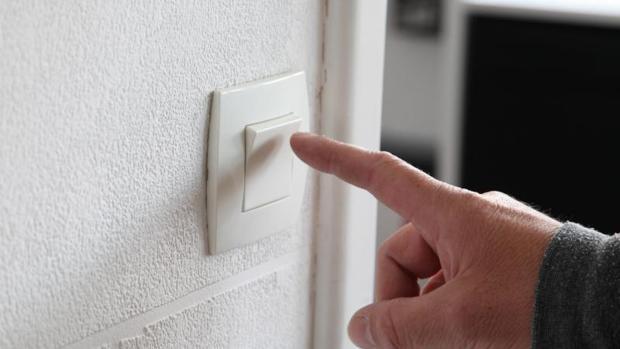 La bajada del IVA de la luz se aplicará solo a la parte fija de la factura