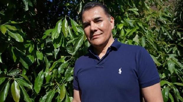 Xavier Equihua, CEO y presidente de la WAO, en una plantación de aguacates en Vélez-Málaga