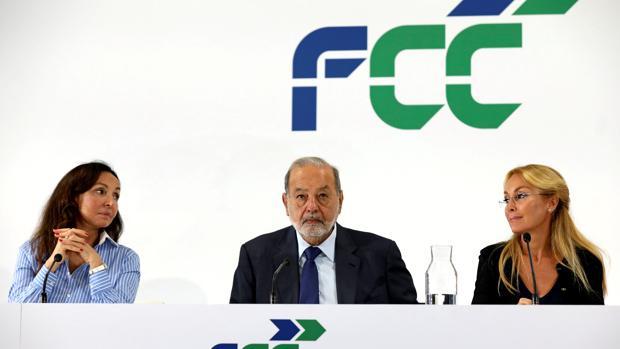 De izda a dcha: Alicia Koplowitz, importante accionista de la constructora junto al magnate Carlos Slim que ostenta la mayoría del accionariado y Esther Koplowitz, presidenta de FCC