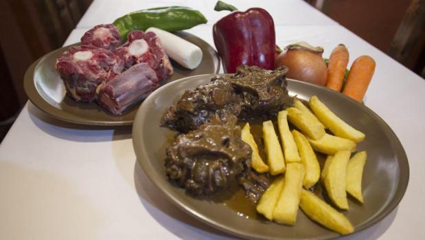 Plato de rabo de toro del restaurante Los Timbales