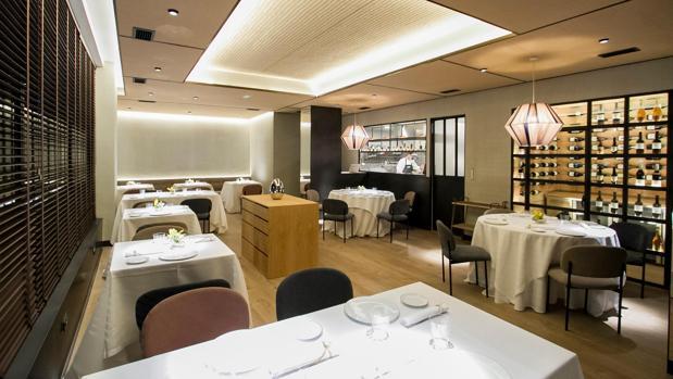 Sala del restaurante Clos, en Madrid