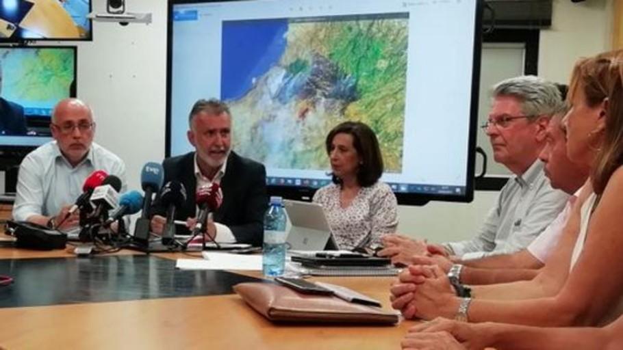 Margarita Robles: «aquí todos somos de Canarias»