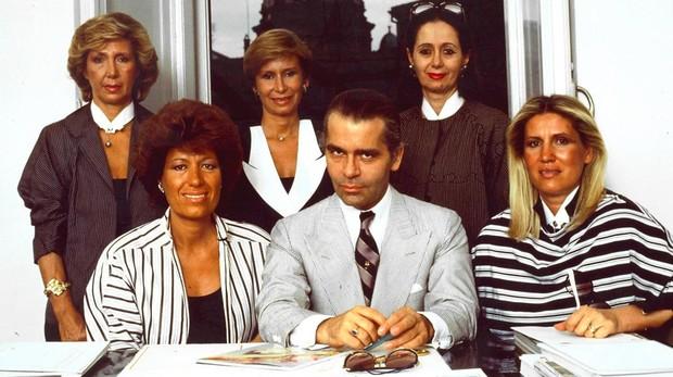 Lagerfeld con las hermanas italianas que supieron organizarse y hacer una marca emblemática
