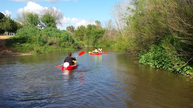 Las actividades deportivas son frecuentes en el entorno del río