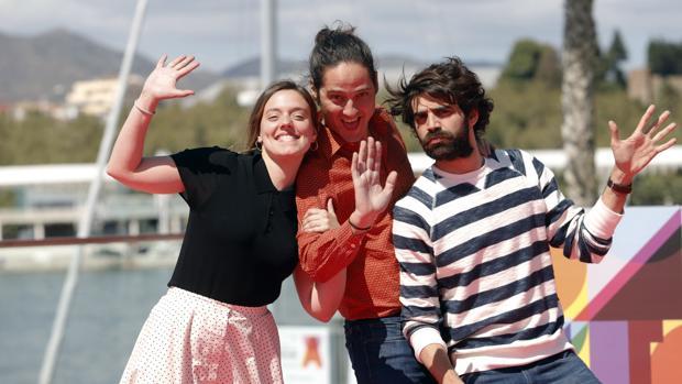 Carlos Marqués-Marcet, director de los «Días que vendrán», junto a los protagonistas