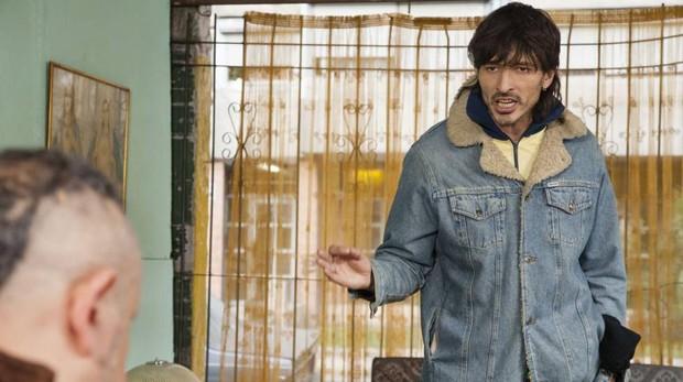Andrés Velencoso en la serie «Edha», disponible en Netflix