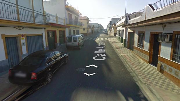 Calle de Dos Hermanas en la que se produjo el tiroteo