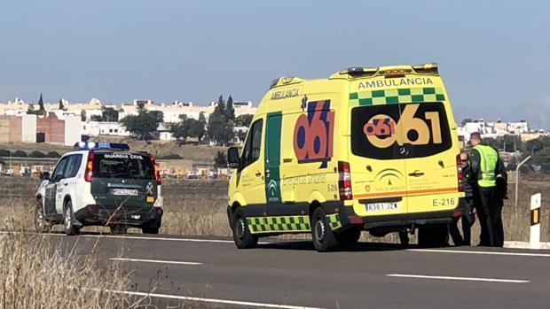 El herido ha sido atendido por el 061 en la carretera de Arahal-Morón de la Frontera