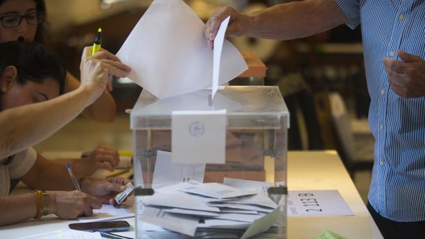 El próximo domingo 26 de mayo los sevillanos elegirán a 1.496 concejales en los 106 municipios de la provincia