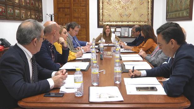 Reunión del Patronato de la Escuela Universitaria donde se informó de la implantación del nuevo grado