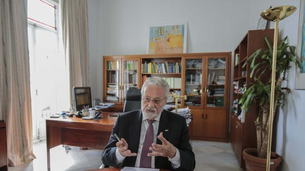 El Defensor del Pueblo Andaluz, Jesús Maeztu