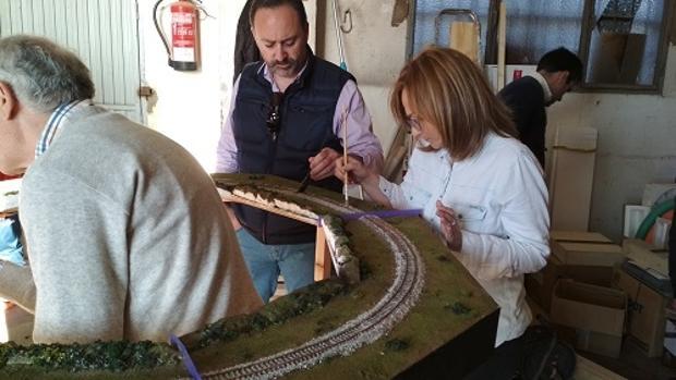 A lo largo de los últimos meses la asociación utrerana ha impartido un curso de modelismo ferroviario
