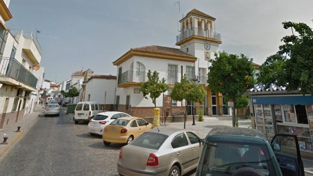 Un menor murió ahogado de manera fortuita en el jacuzzi de su casa de Palomares del Río al quedarse solo