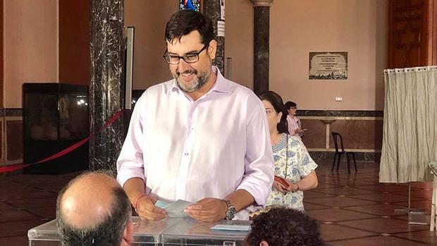 José María Villalobos ha revalidado su cargo de alcalde de Utrera para los próximos cuatro años