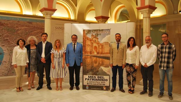 Responsables municipales y empresas turísticas que participan en las actividades del Mes del Patrimonio