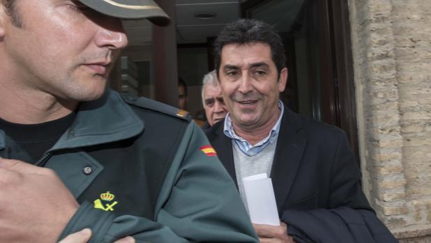 El exalcalde Antonio Maestre, saliendo de los juzgados