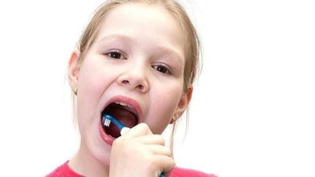 La falta de higiene bucal es responsable de cerca del 90% de los casos de halitosis
