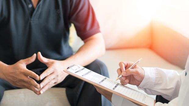 Cómo reducir la incontinneza de próstata masculina