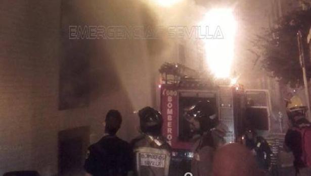 El incendio ha tenido lugar en un edificio de la zona centro de Sevilla