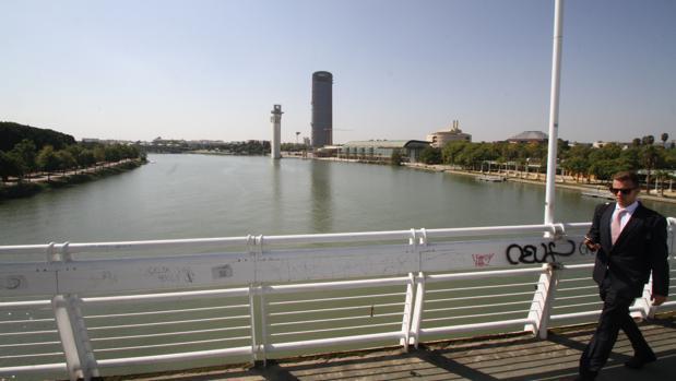 El Ayuntamiento reclamaba a la Junta 3 millones de euros para construir una pasarela sobre el río