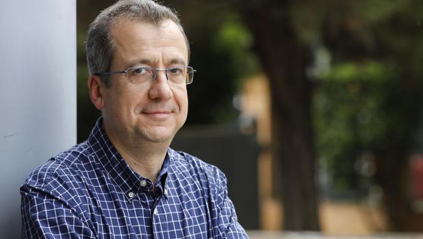 Javier Puerto, presidente de la Asociación de Profesores de Institutos de Andalucía (APIA)