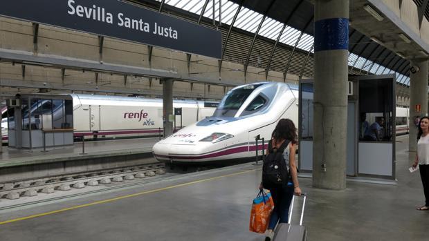 El tren averiado partió de Santa Justa a las 7.45 horas