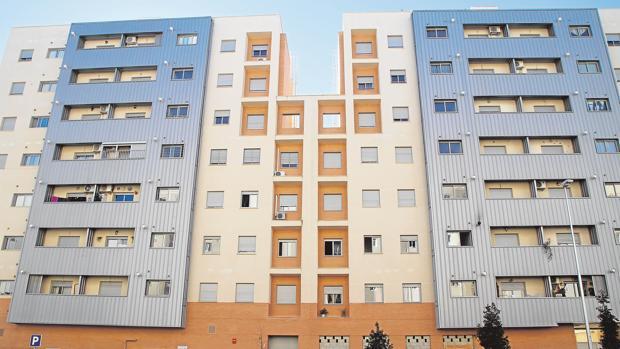 Bloque de viviendas en Parque Alcosa