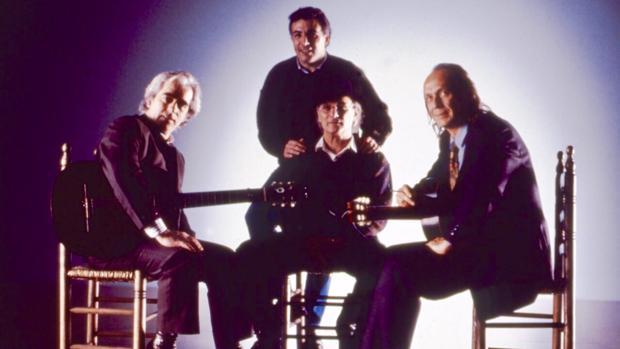 Paco de Lucía, Carlos Saura, Manolo Sanlúcar y Juan Lebrón, durante la grabación de «Sevillanas» en una imagen del archivo personal del productor