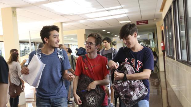 Estudiantes durante los exámenes de Selectiviidad