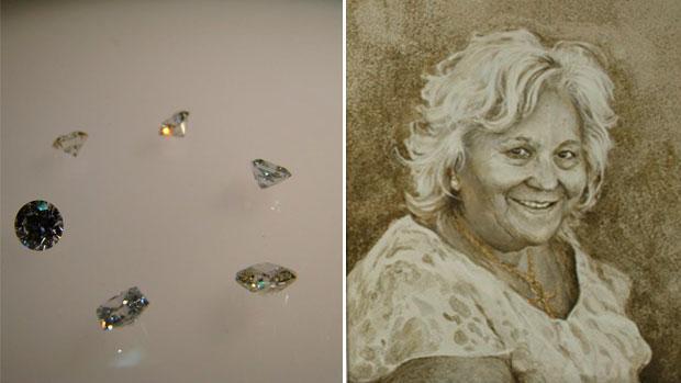 A la izquierda, diamantes sintéticos de la firma sevillana Irisgem Diamond. A la derecha, cuadro hecho con cenizas de la difunta retratada, de la firma Cenizia