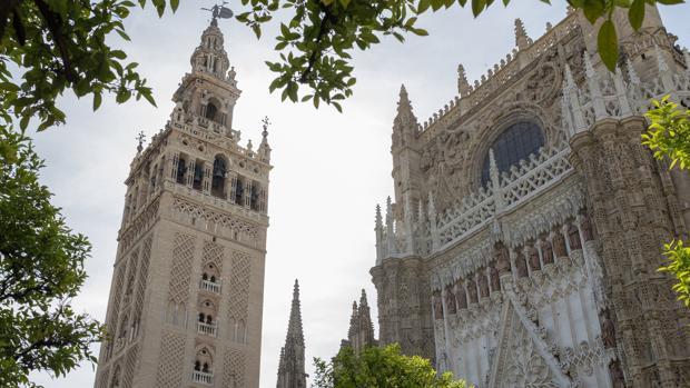 La Catedral de Sevilla y la subida a la Giralda es una visita imprescindible en la ciudad