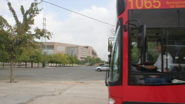 La línea conectaba la parada de metro de Blas Infante con el parque tecnológico