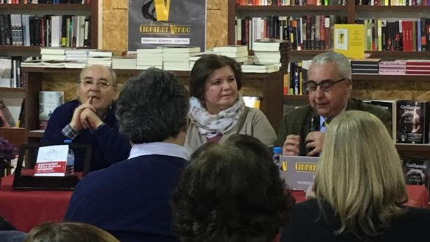 Rosa García Perea durante el reciente acto de presentación de su nuevo libro de poesía