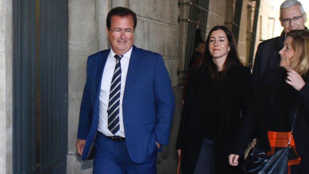 Cabrera, este jueves, a su llegada a los juzgados donde ha prestado declaración como investigado