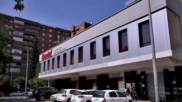 Una de las clínicas de iDental cerradas en el barrio de Nervión de Sevilla