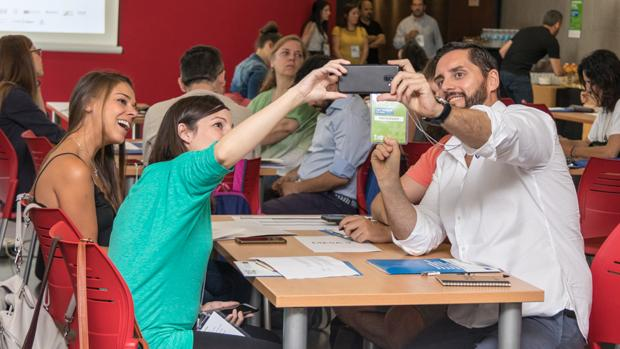 Participantes en la edición 2019 de #Emprende24Sevilla celebrada en el CREA