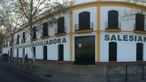 Fachada de las Salesianas de San Vicente