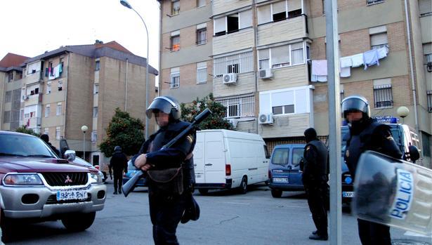 Agentes de Policía Nacional en las Tres Mil