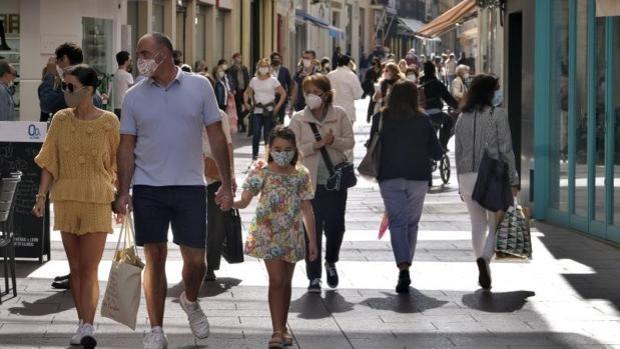 Los nuevos contagios diarios bajan al centenar en el final de la quinta ola de Covid en Sevilla