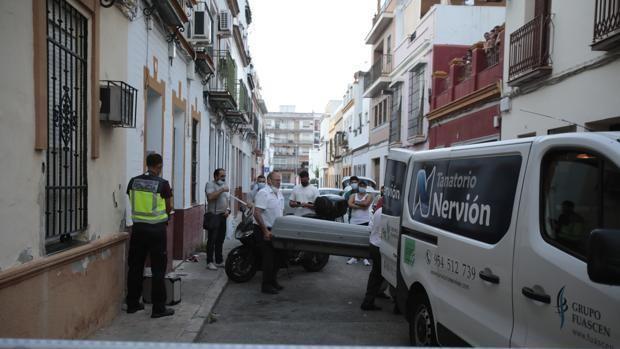 Nueva fecha para juzgar el asesinato de una mujer estrangulada en un piso de la Cruz Roja en Sevilla