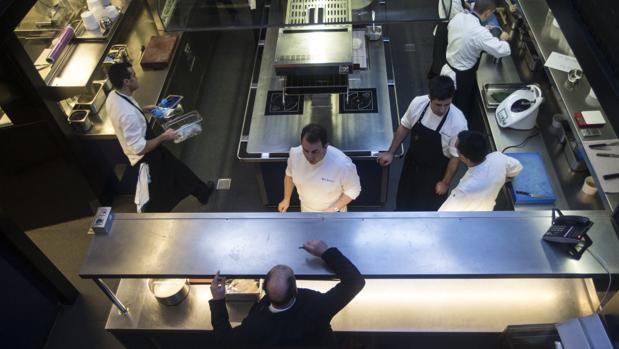 Lasarte, el restaurante de Martín Berasatgui en Barcelona, obtuvo las tres estrellas Michelin en la edición de la Guía de 2017